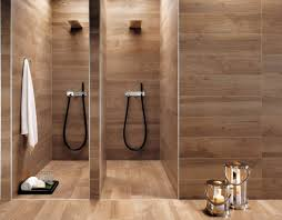 badgestaltung fliesen holzoptik badezimmer fliesen holzoptik ruhbaz
