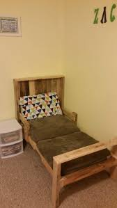 Making A Pallet Bed Bedroom Pallet Bench Pallet Bed Frame Queen Wood Pallet