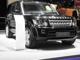 land rover discovery 4 2015 file discovery 4 sentinel at dsei 2015 jpg wikimedia commons