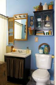 Apartment Bathroom Storage Ideas We U0027re Crushing On The Primitive Country Decor In This City