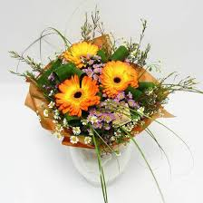 Fall Floral Decorations - 22 colorful fall flower arrangements and autumn table centerpieces