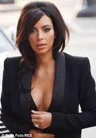 Kim K Wedding Ring by Kim Kardashian Ditches Wedding Ring For Tribute To Daughter North