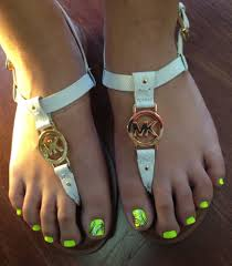 summer toe nails neon lime green with black detail design nails
