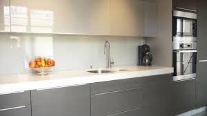 credence cuisine design credence cuisine verre trempe 8 de en laque blanc perle cr dence