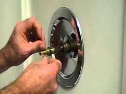 fixing bathtub faucet how to replace a bathtub faucet handle image bathroom 2017