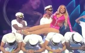 Mariah Carey Meme - mariah carey goes viral with her lazy dance moves in concert