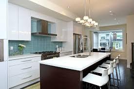 hotte cuisine ouverte cuisine hotte pour cuisine ouverte avec violet couleur hotte pour