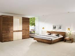 Schlafzimmer Bett Nussbaum Schlafzimmer Nussbaum Schlafzimmer Bett Schrank Nussbaum Absatz