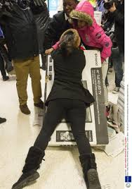 black friday sales on tvs unbelievable black friday pictures from an asda as chaos prevails