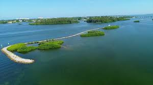 live on a private peninsula in oyster bay landings in sarasota