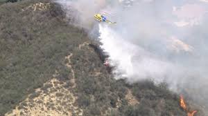California Wildfires Ventura County by Fire Burns 3 2 Acres Close To Homes Near Lake Sherwood In Ventura