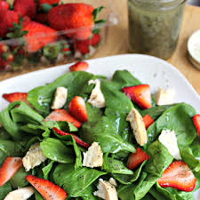 strawberry and chicken spinach salad with poppy seed dressing