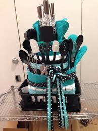bridal shower gift basket ideas towel cake wedding shower bridal shower gift http www deal