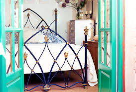 what s the best feng shui placement of my bed feng shui guidance where not to put your bed bedroom feng shui