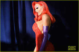 search halloween city heidi klum transforms into jessica rabbit for halloween 2015