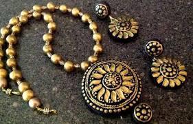 terracotta jewellery buy terracotta jhumkas pendants and