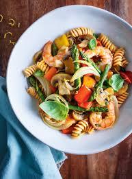 cuisine pates pâtes aux légumes et aux crevettes ricardo
