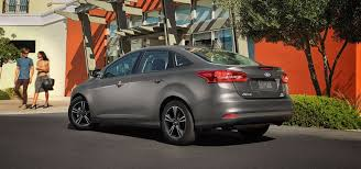 difference between ford focus models 2017 ford focus s se trim comparison in countryside il