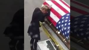 Soldier With Flag Wife Of Soldier Kisses His Flag Draped Coffin U0027it Was
