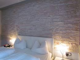 Schlafzimmer Wandgestaltung Beispiele Interessant Steinwand Schlafzimmer 93 Ideen Zur Wandgestaltung Mit
