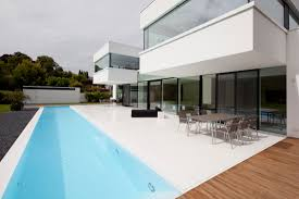 shiny swimming pool house design with rectangle shape design