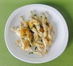 cuisiner des cuisses de grenouilles cuisses de grenouille sautées à l ail aux fourneaux