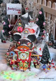 2014 gingerbread house displays at walt disney world the disney