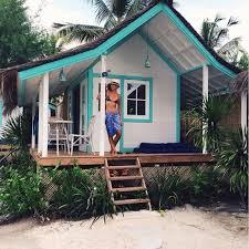 beach houses tiny cottage everything pinterest nuggwifee tiny houses