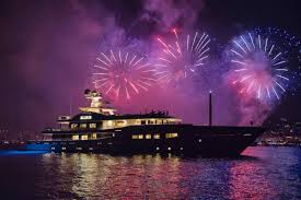 for new year new year s yacht party celebrate new years in dubai uae