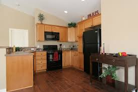 Kitchen With Oak Cabinets I Want Dark Hardwood Floors But Have Light Cabinets It Actually