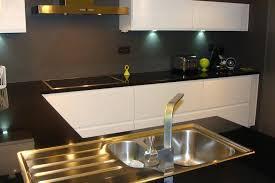 plan de travail cuisine noir pailleté plan de travail noir brillant cuisine laquace blanche plan de