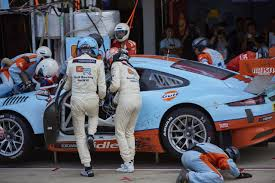 gulf racing photo super gt suzuka circuit gulf racing japan