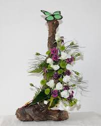 Amazing Flower Arrangements - 4 diy flower arrangement ideas white roses tree bark clay pot