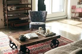 chambre style loft industriel deco style loft studio une chambre de bonne parisienne table