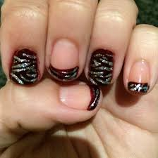 diy maroon and silver zebra stripes as a french manicure nail art