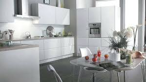 cuisine grise plan de travail noir plan de travail cuisine gris clair meuble cuisine gris cuisine