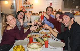 dinner host betzavta experience an israeli dinner in local homes