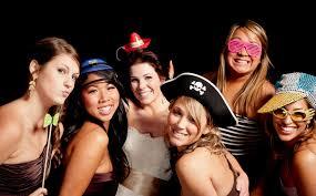 diy selfie photo booth groupon deal denon doyle entertainment photobooth rising ml