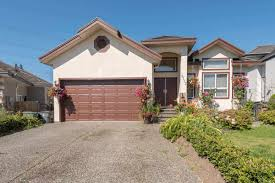 8 bedroom houses surrey 145 8 bed houses for sale zolo ca house for sale at 6113 127 st surrey british columbia