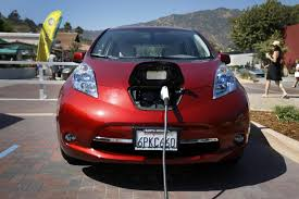 nissan leaf charge time nissan will offer free charging to new leaf electric car buyers