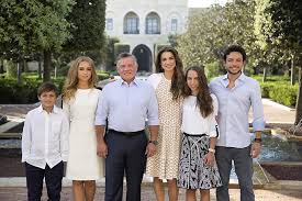 see queen rania and the royal family of jordan u0027s holiday card