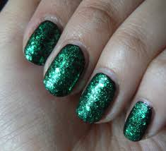 green glitter acrylic nails how you can do it at home pictures