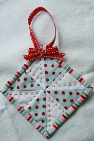 mini quilt ornaments holidays quilted ornaments