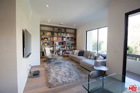 Kris Jenner Bedroom Furniture Kris Jenner Buys 1 65 Million Crash Pad In La Celebrity