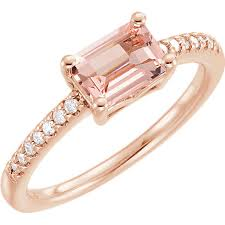 v shaped rings of diamond essence jewels are beautiful on their what are the 2018 trends in engagement rings