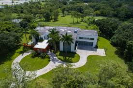 Luxury Homes Boca Raton by Exquisite Tuscan Inspired Villa In Boca Raton Florida Luxury