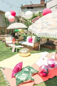 Tropical Decor Best 25 Tropical Party Decorations Ideas On Pinterest Luau