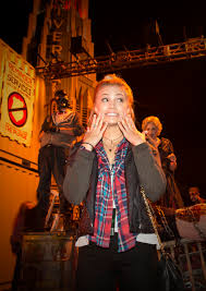halloween horror nights 21 emily osment u0026 olivia holt hang at halloween horror nights u2013 popstar