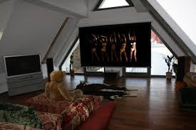 Wohnzimmer Mit Vielen Fenstern Einrichten Beamer Oder Fernseher Oder Beides