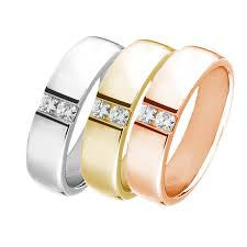 does the woman buy the s wedding band wedding rings for men a modern tradition
